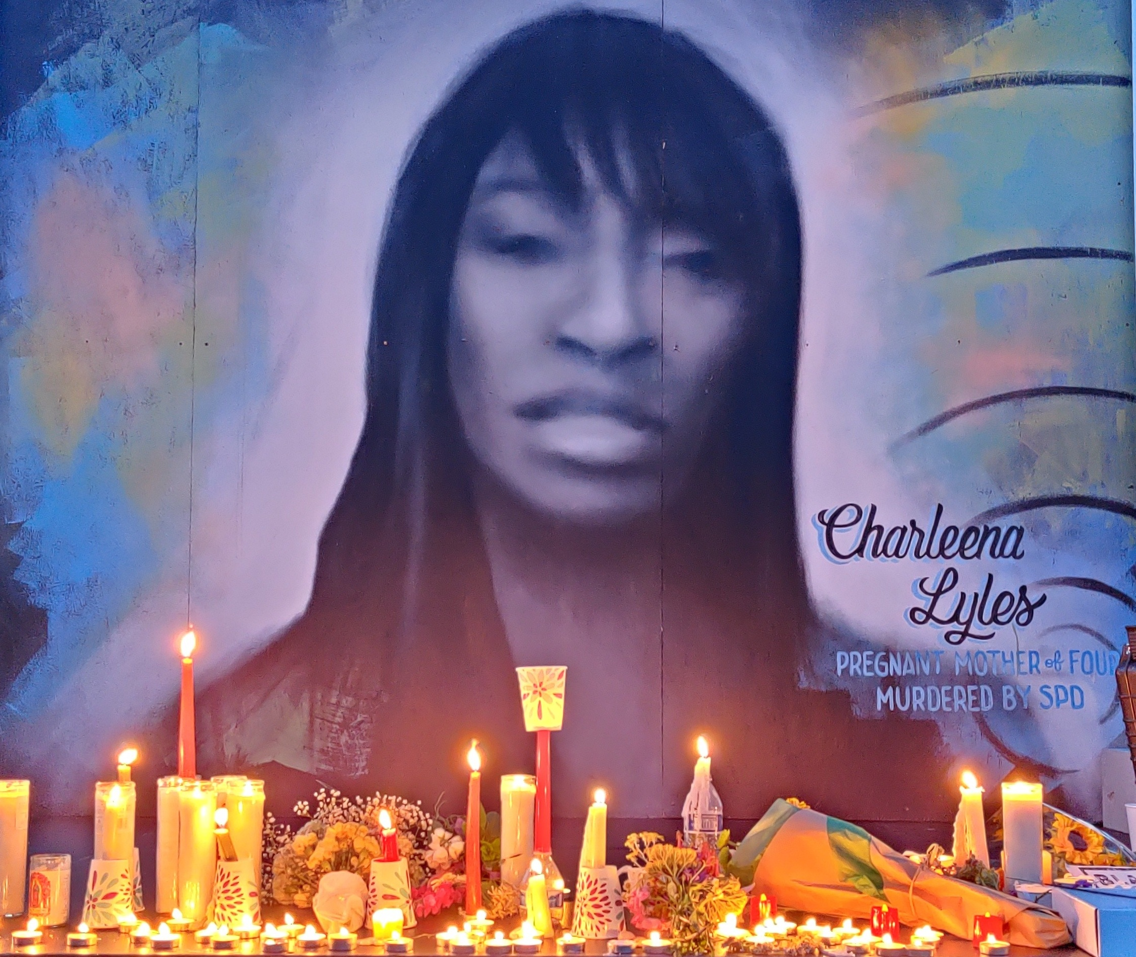 Charleena Lyles vigil with candles
